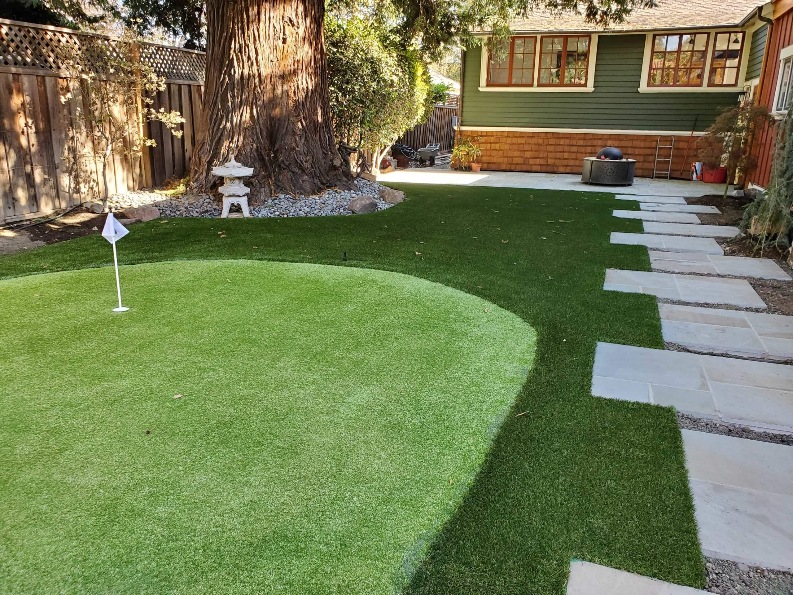 backyard putting greens with artificial turf