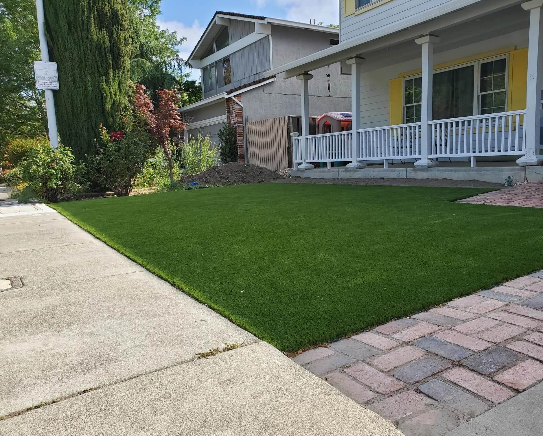 artificial turf home curb